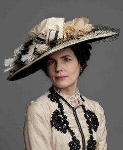 Fab-Hat-on-Elizabeth
