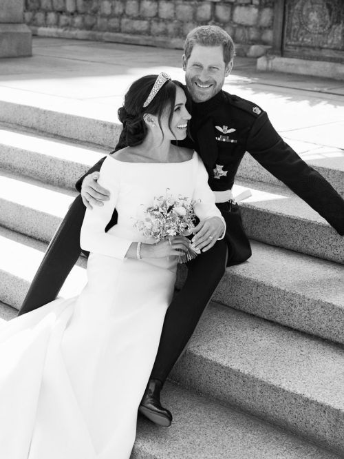 hbz-prince-harry-meghan-markle-wedding-portrait1-1526914572